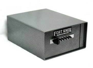 personal-pistol-box-fort-knox-364x269